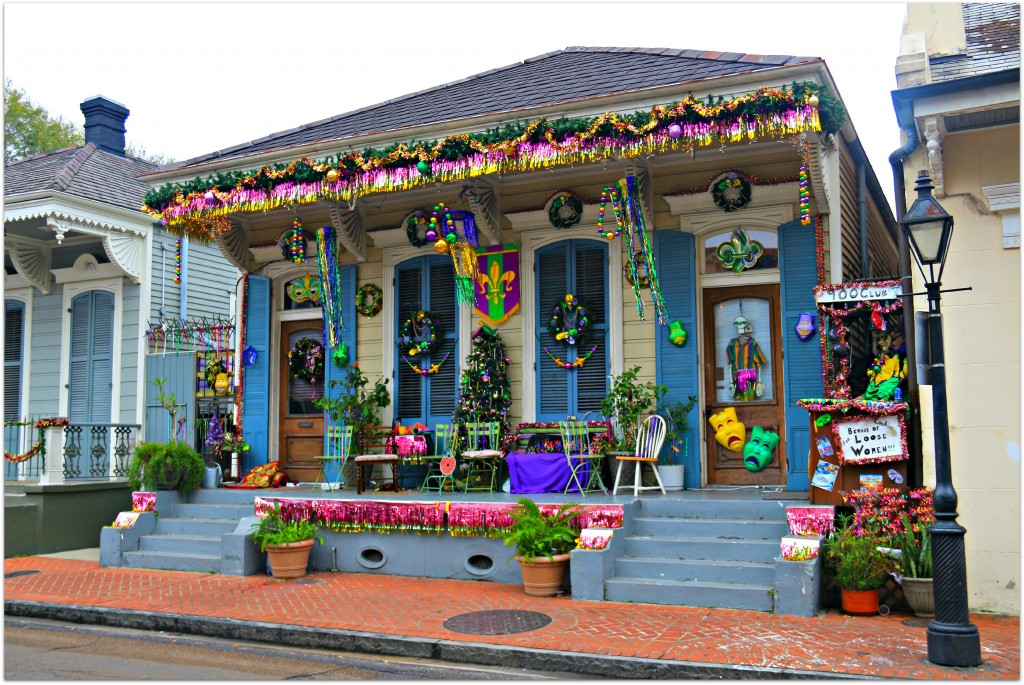 Mardi Gras Decorating, New Orleans - Bakana Gardens 15205 Sweet
